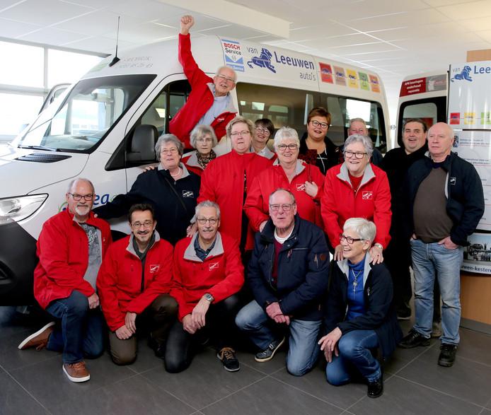 Blijdschap rond de nieuwe Swobrik-bus