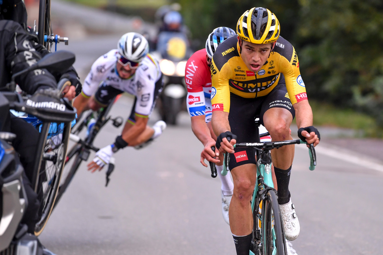 Wout van Aert en Mathieu van der Poel vlogen zondag. Julian Alaphilippe ook. Beeld BELGA