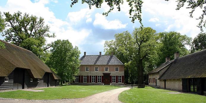 Op landgoed Luchtenburg staat nog een tiendschuur uit 1713