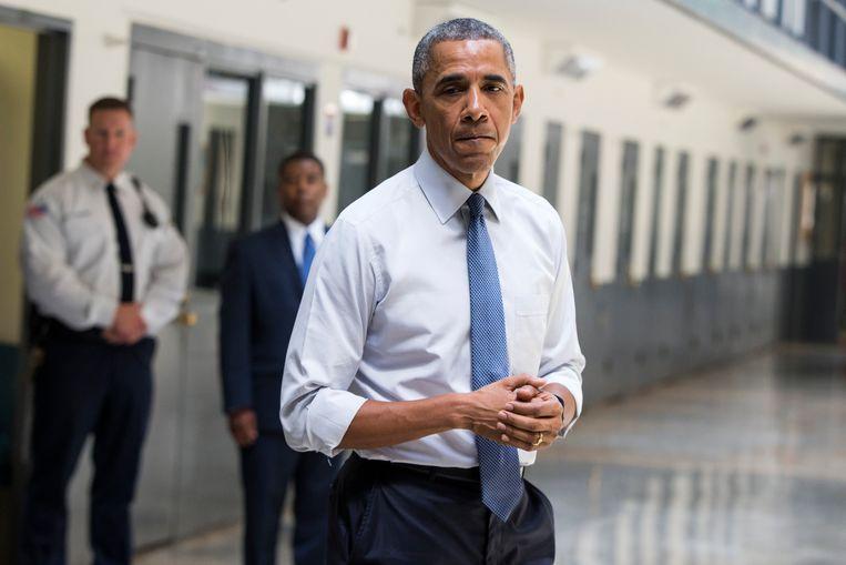 Als eerste president bezocht president Obama in juli een gevangenis, in Oklahoma, om met gevangenen te praten. Op initiatief van Obama zijn 87 niet-gewelddadige drugscriminelen vervroegd vrijgelaten.
