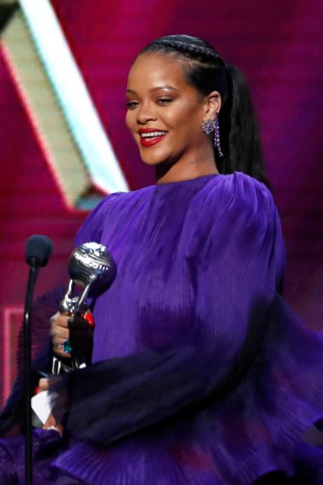 """Le discours engagé de Rihanna: """"Nous pouvons améliorer ce monde ensemble"""""""
