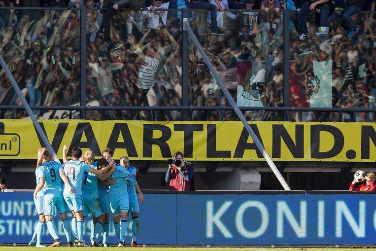 De Feyenoordspelers vieren de 1-2 tegen NEC met de aanhang Beeld ANP Pro Shots
