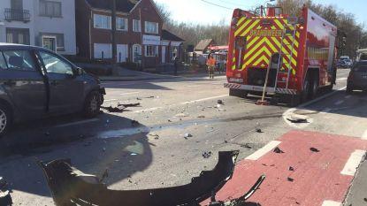 Wagen niet gezien door verblindende zon: zware klap op Gentsesteenweg