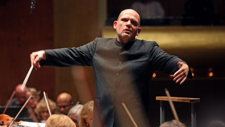 Jaap van Zweden voor het New York Philharmonic, in november 2014, met Beethovens Zevende symfonie. Beeld Getty Images