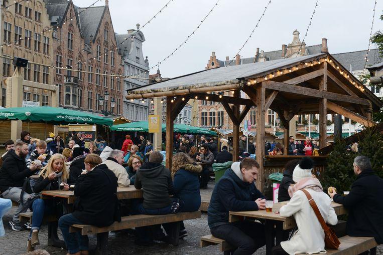 De kerstmarkt in Brugge: bij regenweer zat je niet droog.