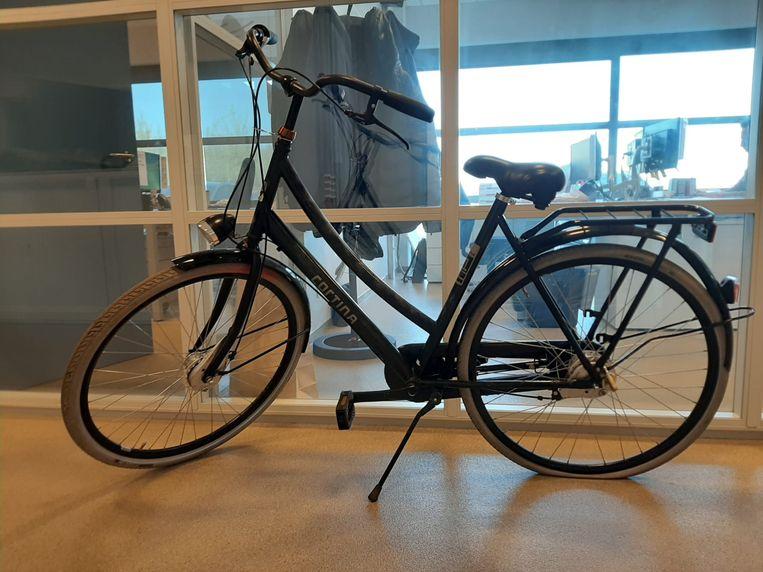 Bij de inbraken verplaatste de man zich met deze fiets.
