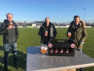 "FC Goalgetters mist voetbal en brouwt dan maar eigen bier '74: ""Sterk blond bier voor sterke voetbalfamilie"""