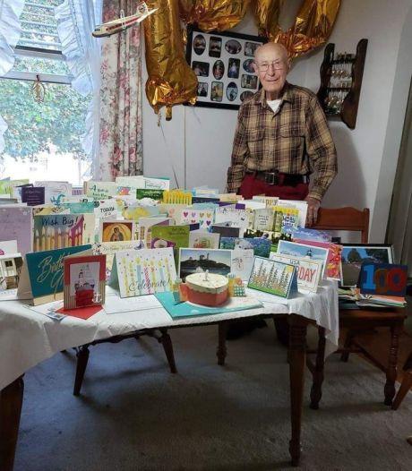 Veteraan Everett in USA voor 100-ste verjaardag vanuit Noordoostpolder 'gebombardeerd' met verjaardagskaarten