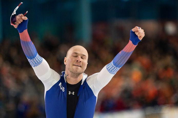 Koelizjnikov is in extase na zijn superrace.