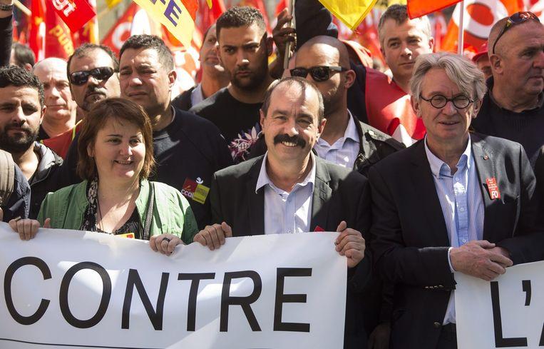 Franse stakers zijn tegen van alles. Hier tegen bezuinigingen op de publieke radio Beeld epa