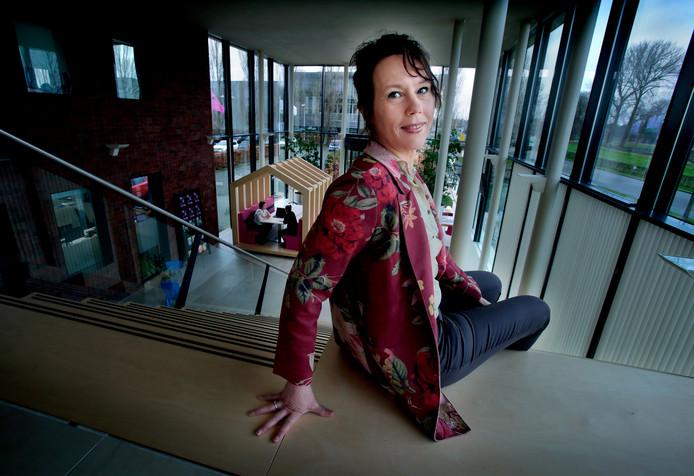 Hanneke Vliet Vlieland verruilt de welzijnssector voor een woningcorporatie.