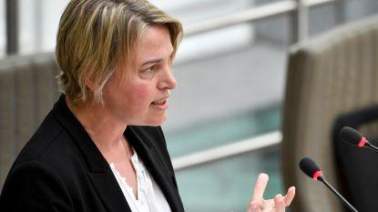 """Unizo niet te spreken over plan Schauvliege: """"Schijnoplossing op kap van de handelaars"""""""