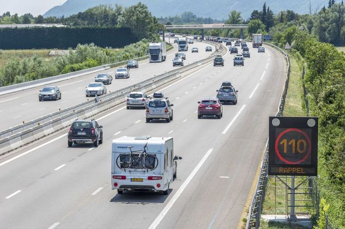 Vakantiegangers krijgen in het buitenland te maken met soms afwijkende verkeersregels.