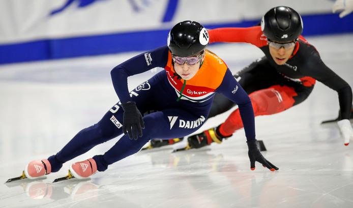 Lara van Ruijven (links) en Alyson Charles.