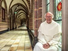 Zwolse pater viert halve eeuw priesterschap met pittige maaltijd
