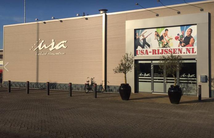USA Sportaccommodaties is een van de huurders van het pand dat Nijhof-Wassink heeft gekocht. Na afbraak moet op die plek het nieuwe kantoorgebouw van truckdealer Nijwa komen.