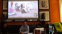 De persconferentie vrijdag in het NH hotel door Peter Janssen en de Mexicaanse activiste Andrea.