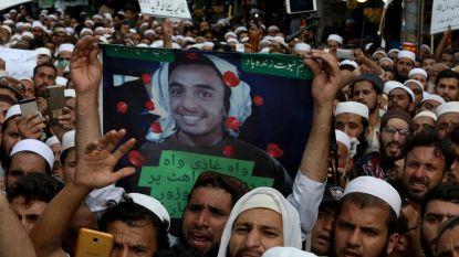 Pakistaanse tiener die Amerikaanse burger doodschoot wegens godslastering geëerd als held