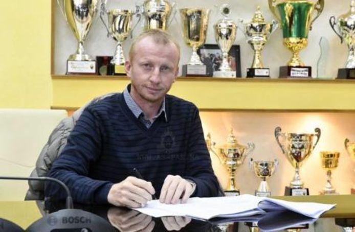 Sven Vandenbroeck tekende twee dagen na zijn vertrek bij Sima SC voor de Marokkaanse eersteklasser FAR Rabat.