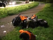 Motorrijder raakt gewond doordat hij op lantaarnpaal knalt in Tiel