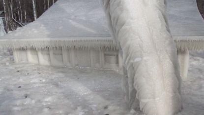 VIDEO. Sneeuw en koude geven dit huis een totale make-over