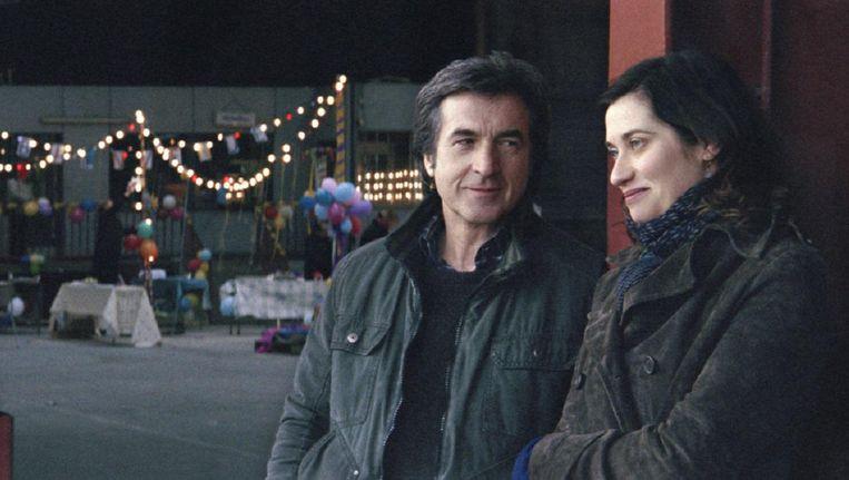 François Cluzet en Emmanuelle Devos in À l'origine Beeld .