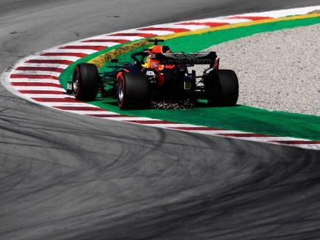 Verstappen begint ook in Barcelona achter de Mercedessen