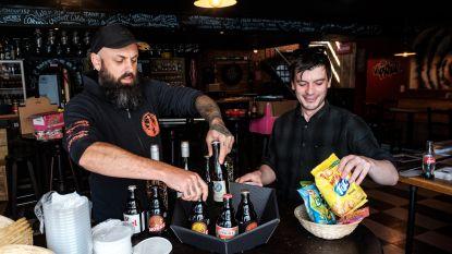 Uitbaters van café De Wipschutter bedienen klanten met bier- of wijnmand aan huis