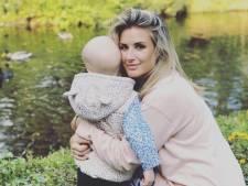 Tranen van geluk voor Chantal Bles op pakjesavond met zieke Jada