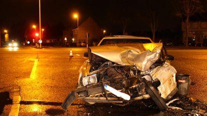 Twee bestuurders gewond bij botsing op Omleiding