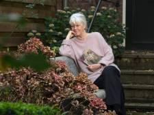 Annegreet van Bergen duikt in de verhalen van de Achterhoek: 'Badwater delen en tv kijken bij de buren'