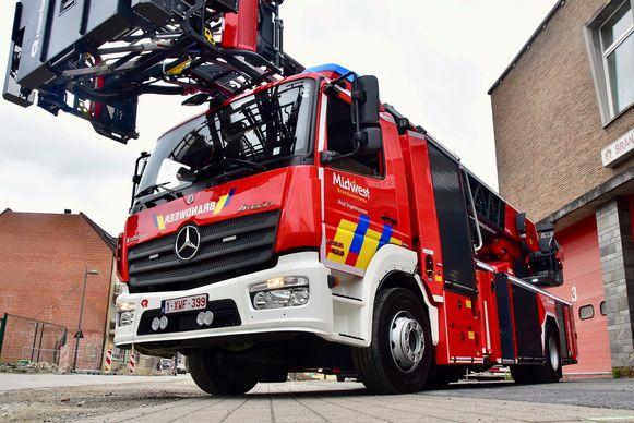 De nieuwe ladderwagen kost zowat 700.000 euro en zal ergens vanaf het najaar effectief worden ingezet, als alle chauffeurs en ladderbedieners hun opleiding hebben voltooid.