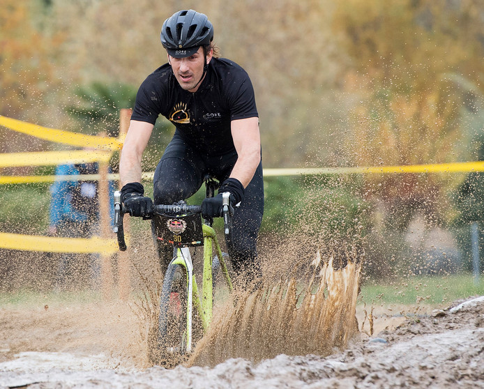 Fabian Cancellara in actie tijdens de Red Bull Velodux Cyclocross in Zwitserland.