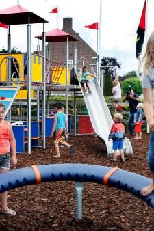 Glijbaantjes en trampolines uit achtertuinen in speeltuintjes gezet, Altena waarschuwt voor gevaar