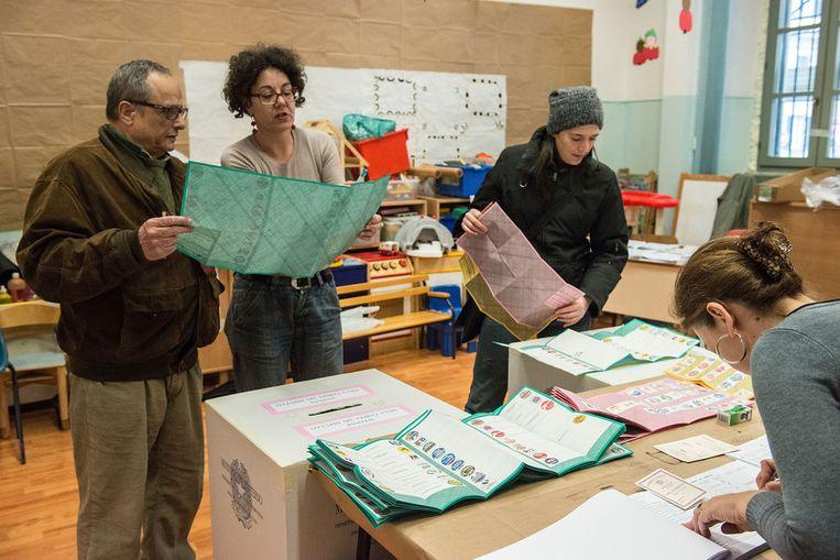 Een stembureau in Rome, vandaag. Beeld getty