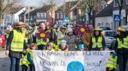 VIDEO: Ouders stappen samen met kleuters en leerkrachten mee in klimaatmars