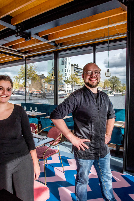 Op Piushaven 'drijvend' restaurant RAK open: 'Echt een gave stap'