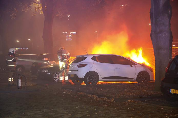 Autobranden in Oss.