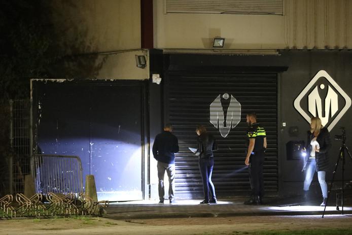 In de nacht van maandag op dinsdag is er rond 3:00 uur een melding binnengekomen bij de politie dat er schoten waren gelost op de Van der Hagenstraat in Zoetermeer.