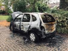 Opgepakte man (33) niet langer verdacht van autobranden in Deventer