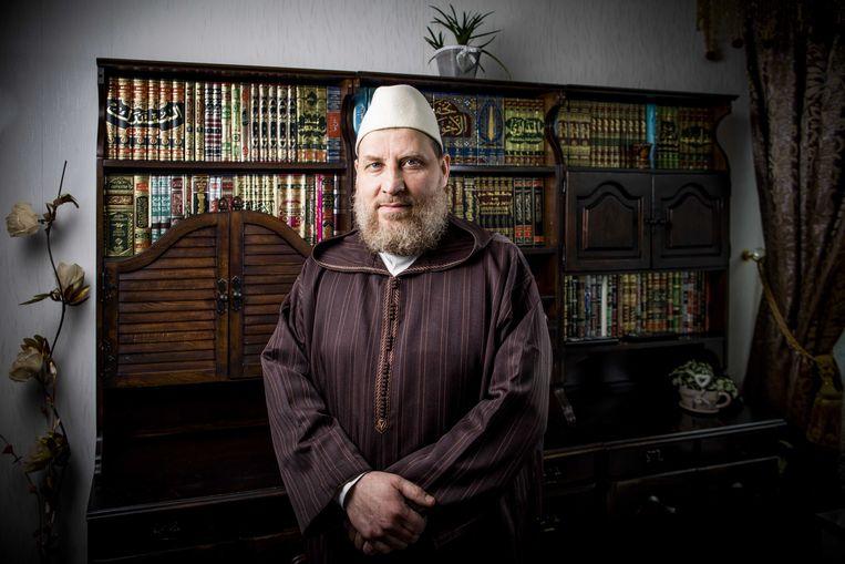 2018-03-29 10:21:20 LEIDSCHENDAM - Een portret van de omstreden imam Fawaz Jneid. ANP FREEK VAN DEN BERGH Beeld Anp
