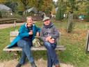 Hella en Ton uit Haarlem vinden het maar een luxe probleem dat ze nu even niet naar een cafeetje kunnen.