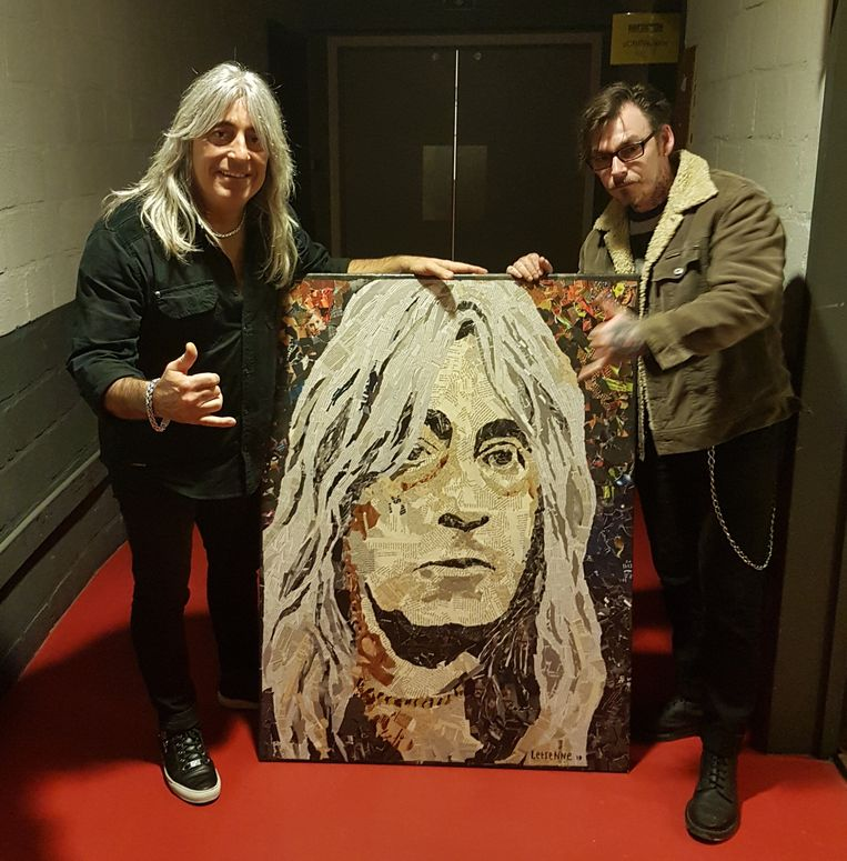 Mikkey Dee kon het portret dat Jean-Pierre Letienne van hem maakte wel appreciëren. Het krijgt een plaats in zijn living.