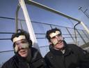 Spelers Marcel Balkenstein en Robert vd Horst links met masker dat gebruikt wordt tijdens strafcorner.