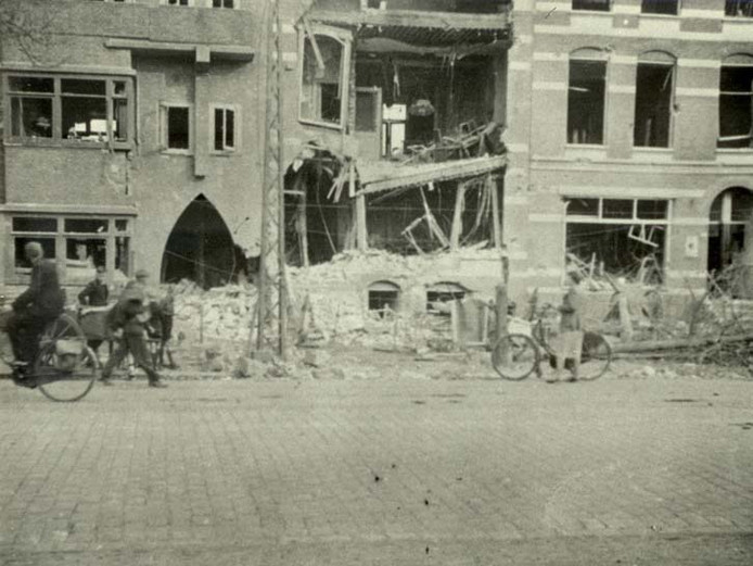 Op 19 september 1944 werd Sint Annastraat 237 (nu drukkerij Luxor) getroffen door een bom. Hierbij vielen vijf doden.