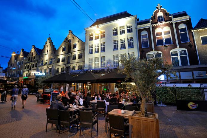 De Korenmarkt in Arnhem op archiefbeeld.