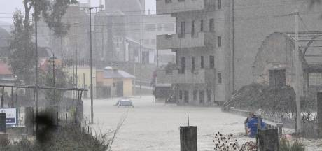 Noodweer in Zuid-Italië: honderden reddingsacties