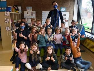 """Meester Joren beleeft zijn eerste schooldag als Mister Gay Belgium: """"Vier op tien holebi-jongeren voelen zich onveilig op school en dat moet veranderen"""""""