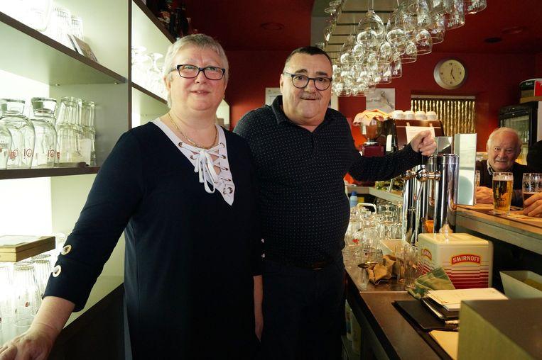 Willy en Marleen van café de Wilro houden ermee op