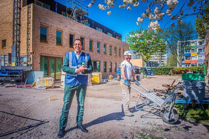 Bestuursvoorzitter Mohamed Baba van Haag Wonen over de coronacrisis en bouwprojecten in Den Haag.